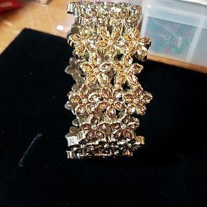 "Allergic to Silver? Plastic Bracelet 8"" Looks Like"